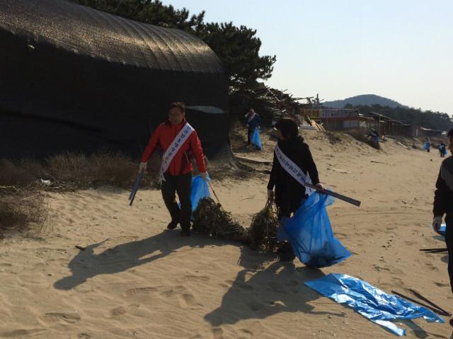 용유동 새봄맞이 대청소 및 클린업데이 행사 개최 사진(3).JPG